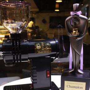 富士皇家 Accro Coffee World Siphonist Champion Pinky Leung 別注版